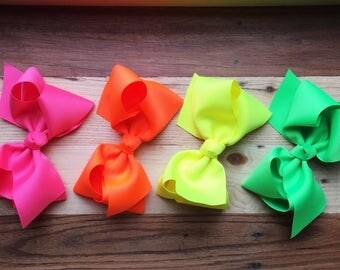 Neon Grand Bow Gift Set