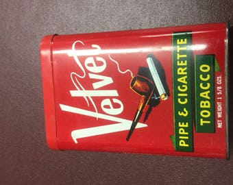 1950 Vintage Pipe&cigarette tobacco tin in great shap