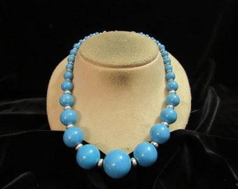 Vintage Chunky Graduated Blue & Silvertone Beaded Necklace