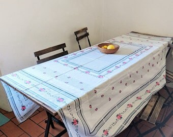 1970 - 1980 vintage tablecloth and 8 napkins made in Spain