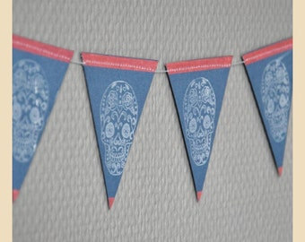 """Pennants decorative """"death head Mexican"""" wreath in paper and thread of cotton, dark grey, white skull, buffer,"""