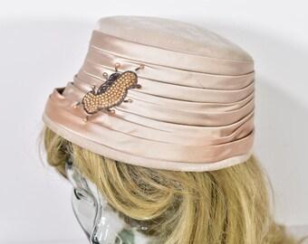 1940's Vintage Women's S or 6 7/8 Dusty Pink Embellished Velvet & Satin Hat