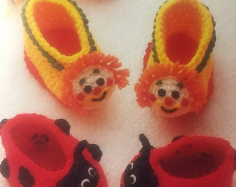 Fun Booties clown and ladybug patterns, baby booties, unisex baby booties, his or her booties pattern, infants :0-6 months