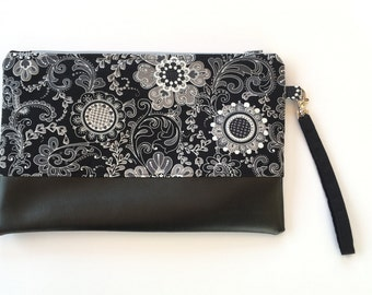 Clutch bag, purse, wristlet, wallet, zip pouch