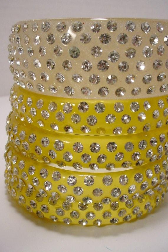 Lovely vintage lime citrine transparent lucite large bangle studded with rhinestones