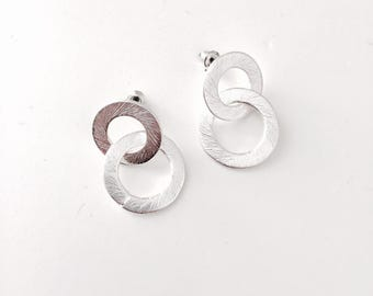 Double brushed circle earrings