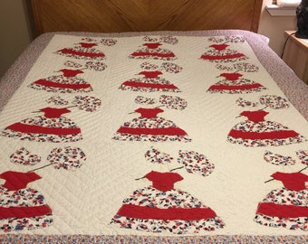 Vintage Caroline hand quilted quilt. Red and Floral