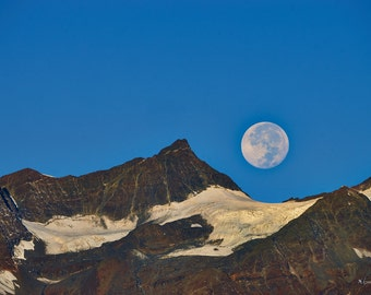Full moon in the morning / / Giclée fine art print / / 90x60cm / /.