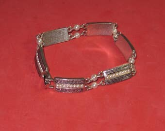 A-52 Vintage Bracelet 7 in long