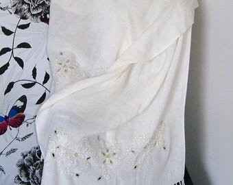 VINTAGE VERY SOFT Beaded bridal wrap