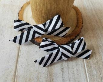 Black & white stripe mini bow