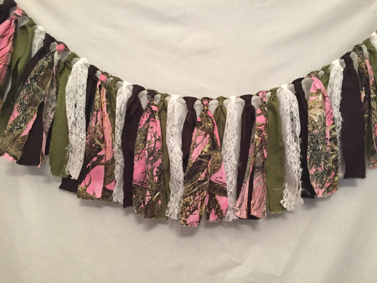 Pink camo fabric garland pink camouflage decorations camo baby for Pink camo decorations