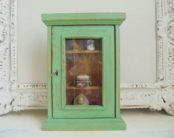 Small showcase green antique green Shabby Chic unique showcase
