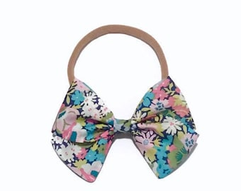 Liberty of London Bow, Hair Bow, Baby Girl Bow, Fabric Bow, Liberty Baby, Baby Accessory, Baby Shower Gift, Liberty of London Perfect Bows
