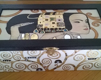 Jewelry box. Wooden box with 26 compartments. Wooden box hand painted. Box Gustave Klimt. gift idea