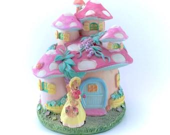 Vintage Pink Mushroom House Ceramic Musical Music Box Figure Figurine Statue Kawaii Fairy Kei Pastel Polka Dot Toadstool Hobbit Home Wind Up