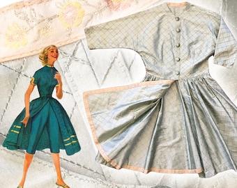 "Vintage 1950s Silk Hostess Dress — 32"" W"