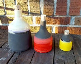 Small ceramic bottle, storage bottle.