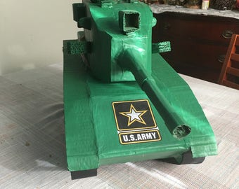 Absolutely Beautiful Army Tank Pinata, ( base on a M60A3 tank), too nice and beautiful to break, look at the detail. (Make Offer).