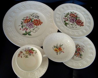 Wedgwood Wellesley 41 PC Dinnerware Set