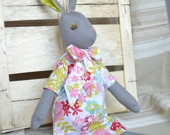 Luna Lapin - Rabbit with impeccable taste