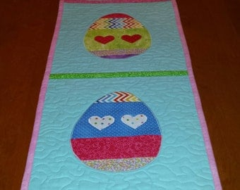 easter tablerunner, quilted