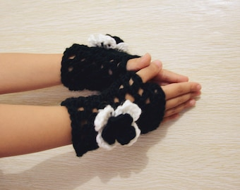 Kids Fingerless Gloves with Crochet Flowers