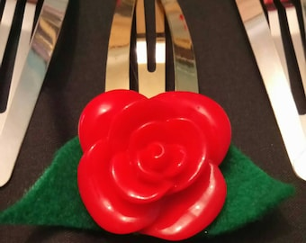Gold coloured extra large rose hairclip