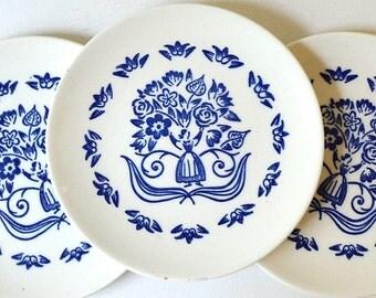 vintage blue white delft blue  dutch plates pennsylvania dutch plates