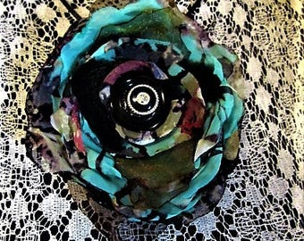 Pretty flower turquoise and black Pretty turquoise and black flower