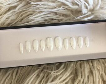 Press on white glitter stiletto nails | glue on nails | express nails | stick on nails | false nails | fake nails | acrylic nails