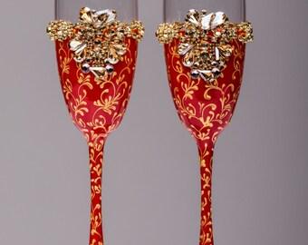 Personalized wedding flutes wedding champagne glasses champagne flutes toasting flutes red and gold champagne flutes wedding flutes Set of2
