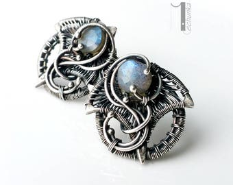 Irideae - silver wire-wrapped earrings with labradorite