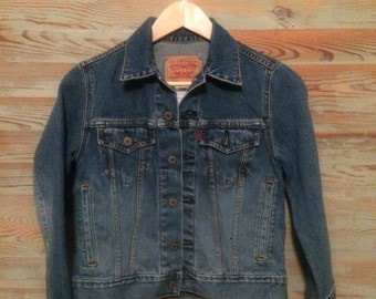 Vintage Levi denim jacket women's size small
