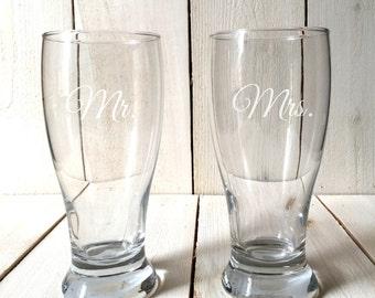 Pilsner Glasses - Beer - Wedding - Bride & Groom - Groomsman
