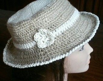 Ladies hat in natural cord