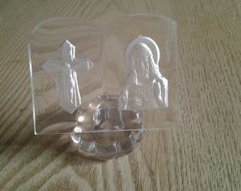 50 % off Vintage glass book cruxifix and Jesus