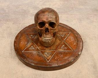 Pentagram with carved skull, pentagram met gegraveerde schedel, Pentagramm mit gravierter Schädel