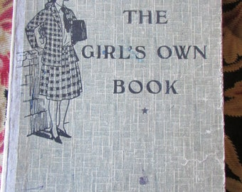 """Super antique French """"The Girls Own Book"""" school book in English for French student c1930"""