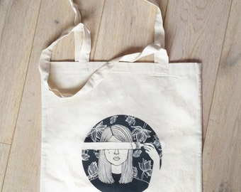 Illustrated totebag : Painted face