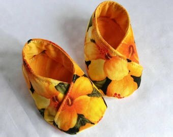 Yellow floral cotton baby booties