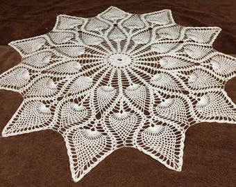 Pineapple points doily