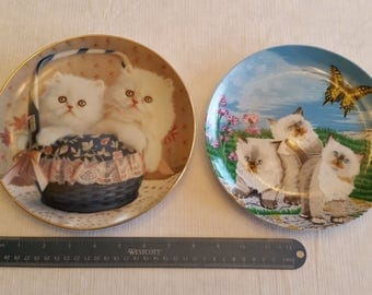 2 vintage white fur kitten collector plates by susan leigh 1989 & steven shachter 1990 - cats porcelain wall hanging crowne american artist