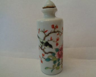 Chinese ceramic snuff bottle