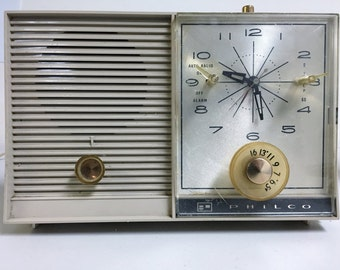 1960's Vintage Philco AM Clock Radio Model K782-124