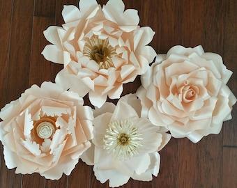 Blushing pink beauties - giant paperflowers