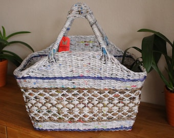 Shopping basket from paper