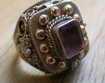 Antique silver ring/poison ring from Bali with Amethyst