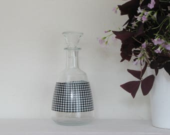 Ground black and white year 60 liquor decanter