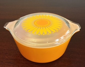Pyrex Orange Covered Refrigerator Dish with Sunflower Lid 1 1/2 pint